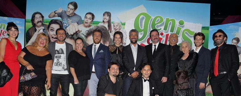 Geniş Aile: Yapıştır Filmine Büyük Gala!